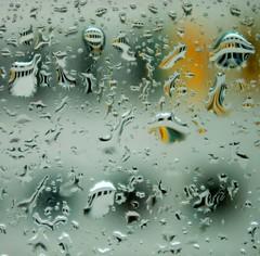 Psychedelic Rain (Cybergabi) Tags: windows distortion reflection rain square drops cool dof bokeh explore pane ttr miniatureworld palabra iccl 20f