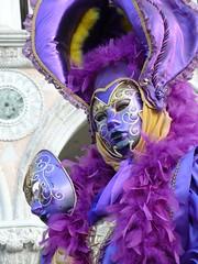 紫色面具人