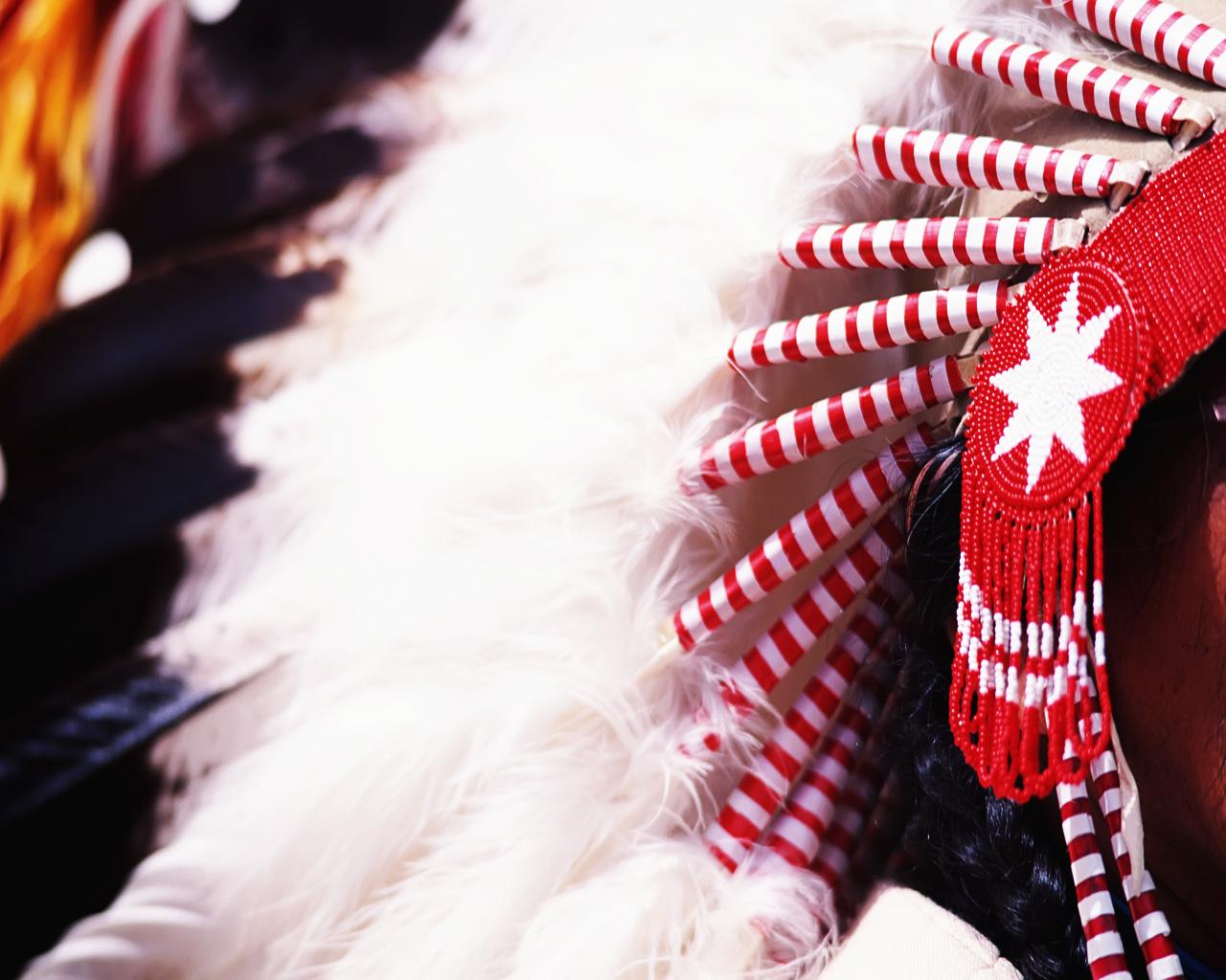 native american headdress – wallpaper size · Native American Headdress