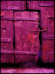 Bloody red purple door in Avignon, France (Semi-detached) Tags: door france wooden palace du des palais provence avignon papes popes superhearts