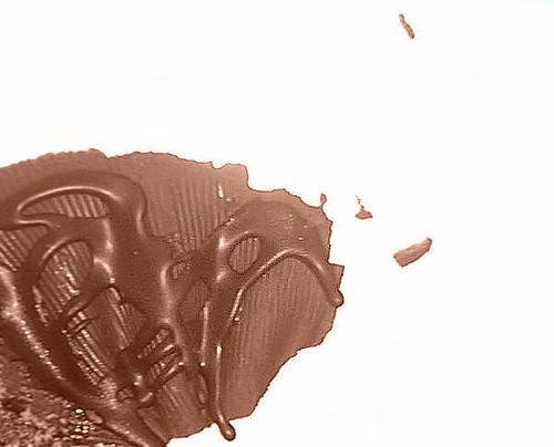 comment enlever des taches de chocolat ?   nos réponses