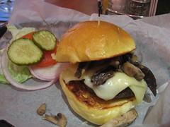 Cheeseburger with Mushrooms with Lettuce, Tomato, Onion and Pickles on the Side (iirraa) Tags: new city mushroom cheese burger toast nj taj mahal atlantic lettuce cheeseburger hamburger jersey roll onion trump pickle trumptajmahal atlanticcitynew toased