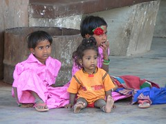 bus - waiting (Angela Coles) Tags: people india portraits children waiting south explore busstation i500 travelerphotos