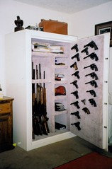Guns on door (hallssafe@sbcglobal.net) Tags: quality interior halls company worlds co safe without finest options compromise worldsfinest hallssafeco qualitywithoutcompromise worldsfinestgunsafes