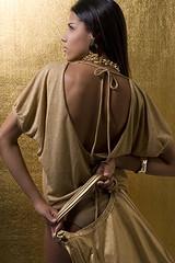 Revista Paradoxo - Edição #180 - fashion model woman style moda fashionphotography paradoxo golden modelo charmbeautypeoplesociety gold estilo