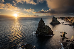 Duncansby Stacks Sunrise (Grant Morris) Tags: duncansbystacks duncansbyhead johnogroats scotland rockstack rocks landscape waterscape waterfront water seaside seascape sunrise sunriseoverwater clouds grantmorris grantmorrisphotography canon 5d3 1635
