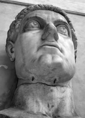Emperor Constantine (mattrkeyworth) Tags: italy statue stone ancient roman sony constantine emperor p12 dscp12 mattrkeyworth