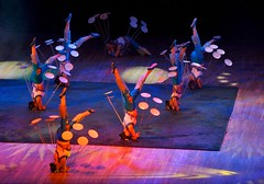 acrobats (yewenyi) Tags: china trip vacation holiday asia performance beijing acrobatics   acrobats  eastasia platespinning bijng macrocosm zhnggu anightattheacrobatics chaoyangtheater