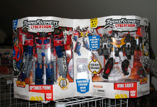 Costco Exclusive Cybertron Optimus Prime and Wing Saber