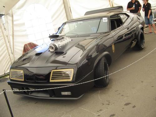 Auto policía Mad Max