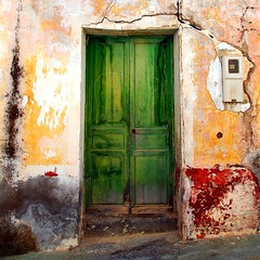Red, yellow and green (cuellar) Tags: door red verde green abandoned yellow rural rojo puerta rusty cuellar amarillo almeria decadent abandonado decadente gtaggroup goddaym1 abigfave cuellar2007top20