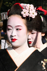 Maiko of Gion Higashi (mboogiedown) Tags: travel red portrait white black beauty face festival japan asian japanese interestingness interesting kyoto shrine asia feminine traditional culture maiko geiko geisha    kimono gion tradition february kansai  matsuri cultural  setsubun    higashi   yasaka     masayo exlpore      interestingness159 i500      hanakanzashi oshiroi discoverkyoto  gionsan  obebe tunemomo