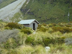 Scary House, Hooker Valley, Mount Cook, NZ - 24 Oct 06 (Nic's Photos) Tags: newzealand hiking mountcook
