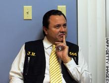Conheça Jose Luis de Jesus Miranda, mas pode chamar de Deus. 396737710_f0dacaf351_o
