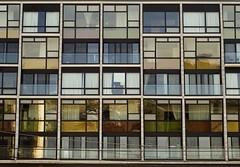Modern Living alla Mondrian - by RobertFrancis