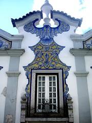 Beautiful window (Mnica (Monguinhas)) Tags: white portugal window branco janela azulejo weiss cascais abigfave monguinhas janelasportuguesas