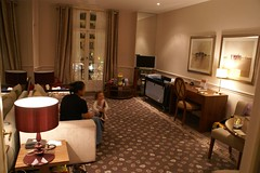Claridge Hotel room DSC01313 (greekadman) Tags: family paris weekend sonydslra100