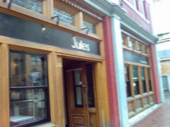 Jules - casual French bistro in Gastown - Roland N80i in Vancouver 579
