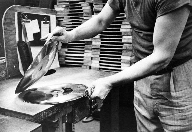 record_manufacturing_1954_06