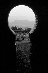 Stirling Window (@PAkDocK / www.pakdock.com) Tags: castle monument scotland stirling william escocia wallace lptowers