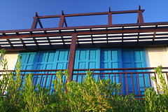 colores del verano (Calovi) Tags: wood blue summer color public colors cores uruguay colore timber couleurs colores verano punta farbe colori cor farben uy verao publik whatuseeiswhatiget publikoeffnen