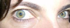 Tia: azul e castanho