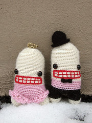 (sandra juto) Tags: pink wedding white snow black alpaca hat animal mouth toy happy gold groom bride eyes couple dress handmade crochet bowtie marriage buttcrack softie tuxedo plushie crown inlove asscrack bumcrack poorbabiescantwearringsorholdflowers