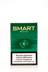 sei smart, rauch Zigaretten ohne seltsame Aromastoffe
