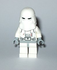 lego 25416 1 star wars advent christmas calender 2016 day 06 snowtrooper minifigure c (tjparkside) Tags: lego 254161 25416 star wars advent licensed christmas calender 2016 minifigure figures figure mini model models sw boba fett fetts slave i 1 bespin guard tie interceptor fighter imperial navy trooper hoth snowtrooper cannon rebel rebels soldier battle droid roger jedi starfighter u 3po u3po protocol power droids gonk luke skywalker endor capture master knight outfit stormtrooper stormtroopers white wookie snow chewbacca sith republic speeder cruiser tantive snowman blaster blasters empire seasonal
