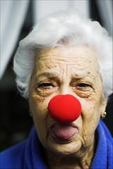 Ita (DavidGorgojo) Tags: grandma red rojo grandmother retrato clown abuela ita payaso 100club nariz nouse 50club fiveflickrfavs