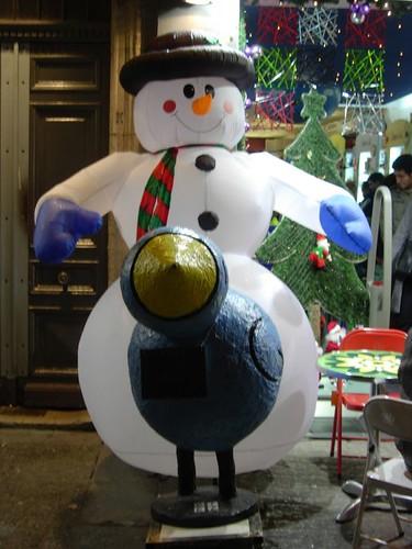 Hasta los muñecos de nieve tienen sus necesidades