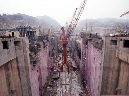 Presa de Gravedad - Construcción de la presa de las Tres Gargantas, en el río Yantzé