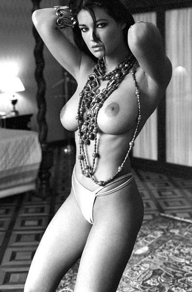 Manuela Arcuri 1