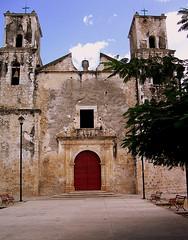 Sotuta (blamstur) Tags: church mexico sotuta