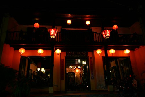 Hoi An by night...