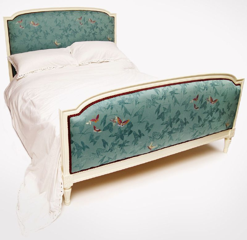 Au Lit : Antique Style Beds - Tres Chic!