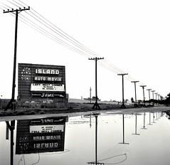 Island Auto Movie, Alameda, California (Dave Glass . foto) Tags: oakland drivein alameda rolleicord driveinmovie driveintheatre theoutsiders alemeda islandautomovie