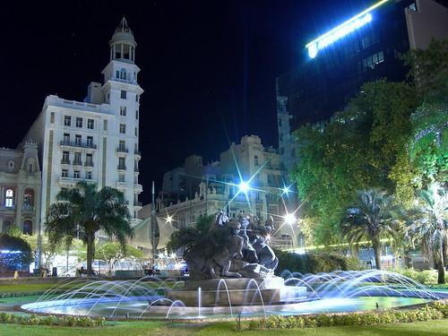 Plaza Fabini (Del Entrevero) por gusuval.