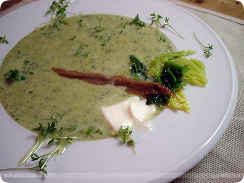 wirsingsuppe mit anchovis