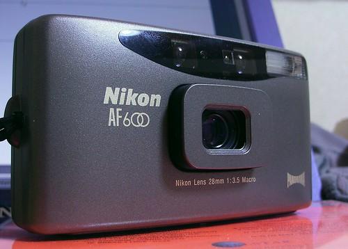 Nikon AF600 (Nikon mini)