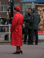 Busstop (bogers) Tags: life street new city red people holland netherlands dutch poster photo google rojo waiting europe flickr foto you reclame diary nederland tram denhaag haaglanden daily busstop fotos holanda stewardess bas rood thehague bogers stad wachten buiten haltestelle tramstop parada flightattendant straat mensen ov martinair flightcrew htm esperar fotograaf abri airhostess tramhalte sgravenhage  haags hofstad straatfotografie rouche skygirl haltestellen niederlnde basbogers airhostes bogeriaans octahobka 22032007 airgirl basbogersdenhaaghotmailcom straatfotografiecom