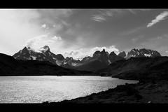 (SergioRT) Tags: chile parque bw patagonia landscape paisaje bn sur torresdelpaine fav nacional magallanes 50club