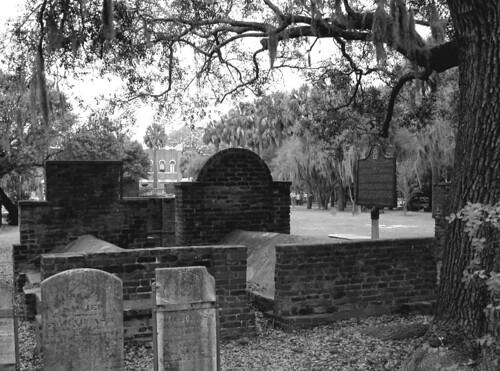 Savannah tombs