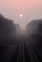 Dawn Mist on the Chiltern Line (Ella's Dad) Tags: morning beaconsfield england sun mist lines weather fog geotagged dawn vanishingpoint 500v20f tracks railway dailycommute finepix rails fujifilm journeytowork disappear a355 6900zoom interestingness48 i500 1000v40f chilternline impressedbeauty superaplus aplusphoto ellasdad