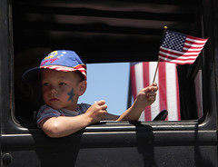 Growing Up in America (Laurie York) Tags: berkeley flag july4th youngboy bornintheusa growingupinamerica news21