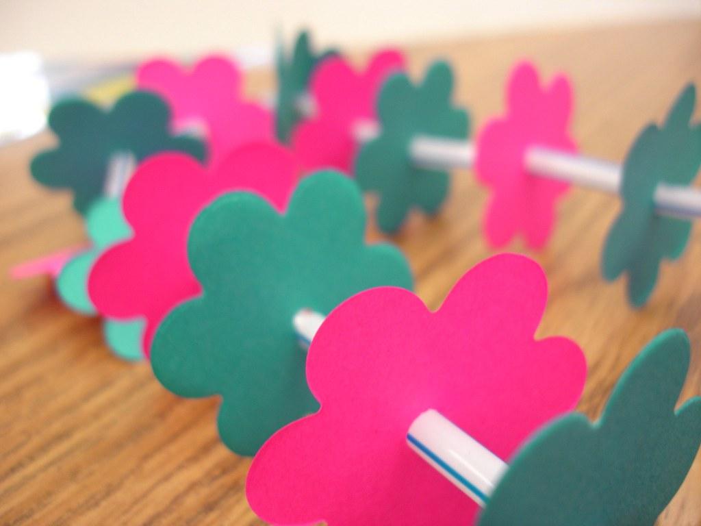 Paper flower art flower art animated flowers clip art straws paper flowers paper lei mightylinksfo