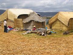 La isla de los Uros (morrissey) Tags: puno uros titicaca totora peru cattail tourism turismo travel viajes