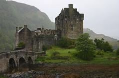 Eilean Donan (itmpa) Tags: slr tourism rain canon scotland 300d canon300d renovation tartan eileandonancastle shortbreadtin tomparnell itmpa archhist
