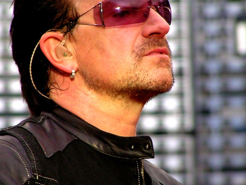 Post Thumbnail of Bono compra el 1% de Facebook