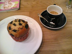 Thursday lunch continued (antimega) Tags: food coffee dessert lunch kamppi drinks waynescoffee muffin chriseatskamppi